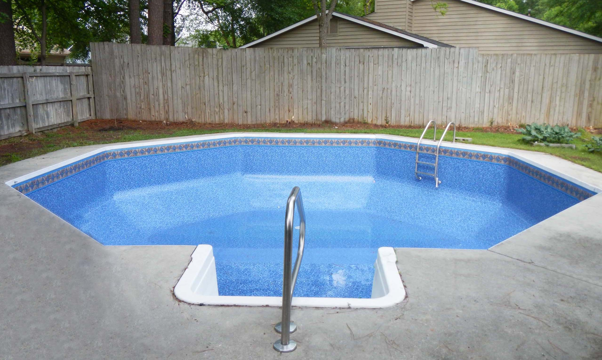 I\'m really tempted to buy my in-ground pool liner online ...