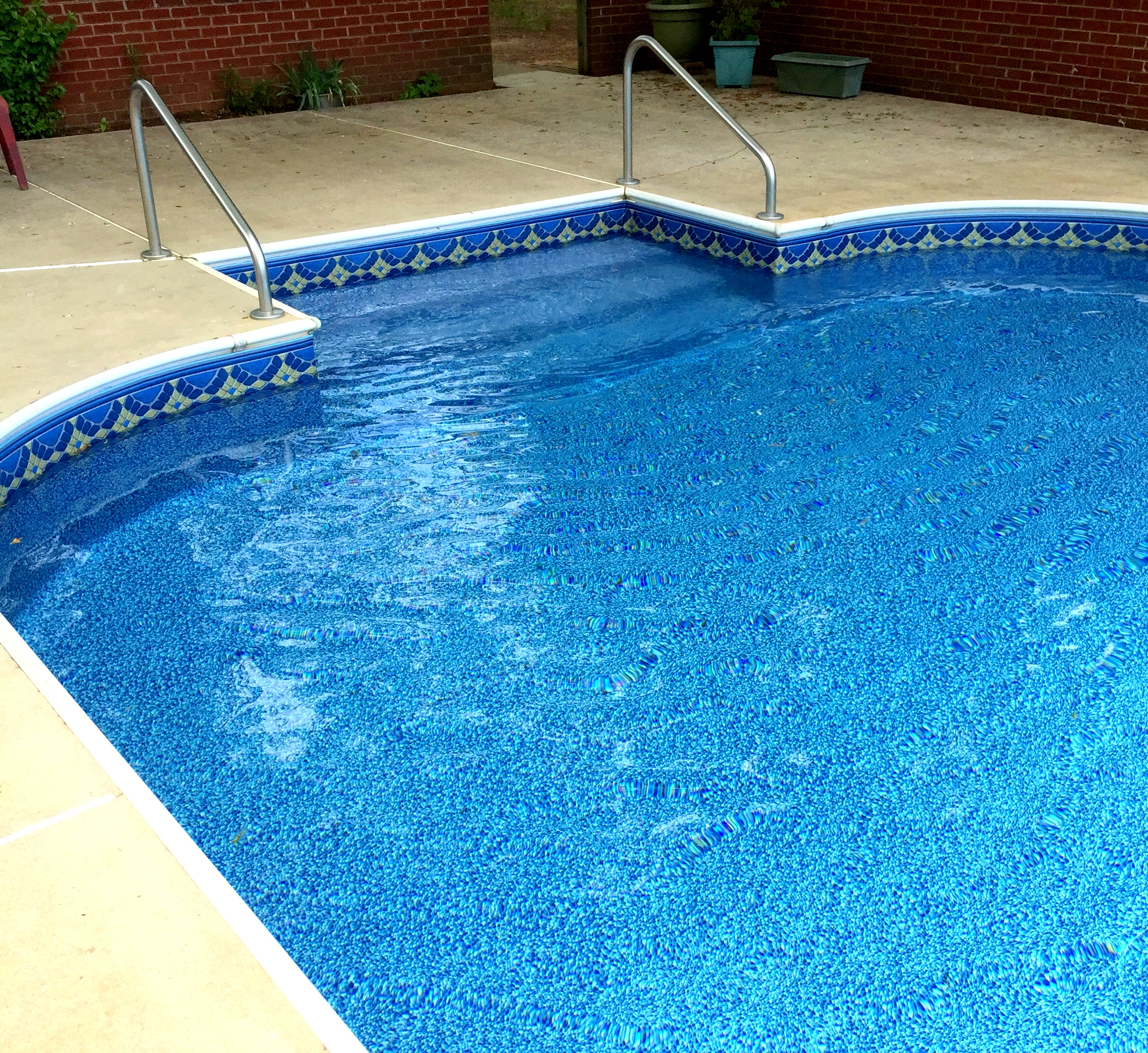 how to clean vinyl pool liner stains